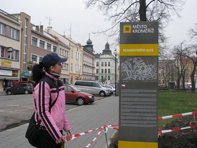 Informační cedule v Kroměříži. Ilustrační foto