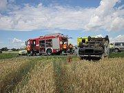 Hodně drsnou nehodu museli v sobotu před polednem řešit policisté, zdravotníci a hasiči nedaleko Třebětic.