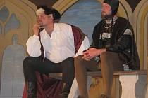 Ve stříleckém domě kultrury sehráli v neděli 13. března 2011 tamní ochotníci muzikál Noc na Karlštejně.