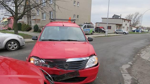 Lehčí nehodu řešili ve středu 23. března policisté v Kroměříži: příčinou bylo nedání přednosti, druhý řidič ale nadýchal alkohol.