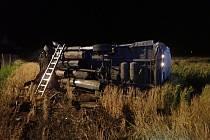 Nehoda dodávky na CNG na dálnici u Hulína.