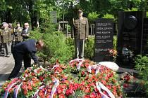 Vzpomínkový akt při příležitosti 64. výročí ukončení druhé světové války v Kroměříži.