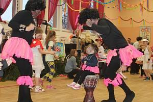 Valentýnský roztančený karneval v Podhradní Lhotě
