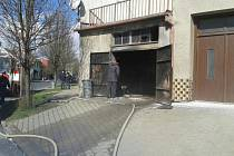 Požár v garáži rodinného domu v Žalkovicích.