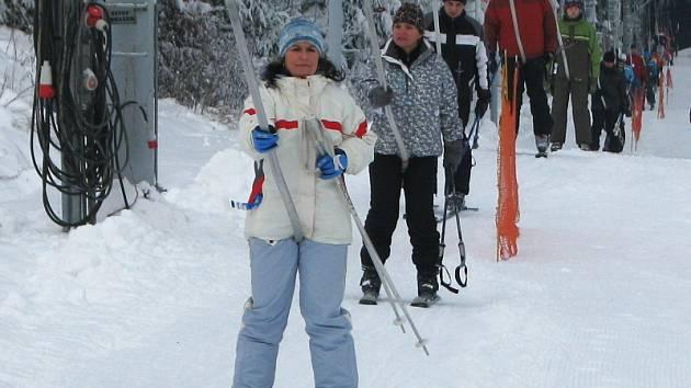 Do lyžařských areálů na Kroměřížsku vyrazila spousta návštěvníků.