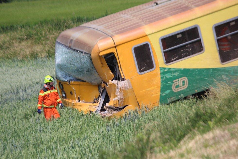 Srážka osobního vlaku a nákladního auta v holešovské místní části Dobrotice.