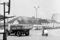 Dramatické okamžiky srpnové okupace roku 1968 z Kroměřížska zachycené na unikátních dobových fotografiích. Na snímku kroměřížské Náměstí Míru.