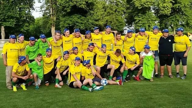 Kvasičtí fotbalisté ovládli I. A třídu skupinu B a v příští sezoně budou hrát krajský přebor.