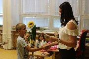 Se školním rokem se poslední červnový den rozloučili také žáci kroměřížské ZŠ Sýpky.