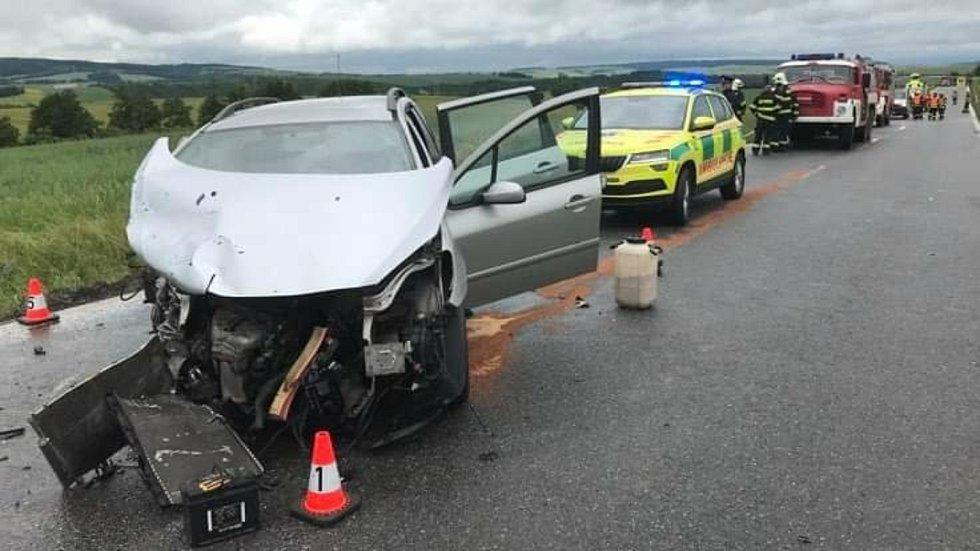 Nehoda tří aut u Roštína - 19. června 2020