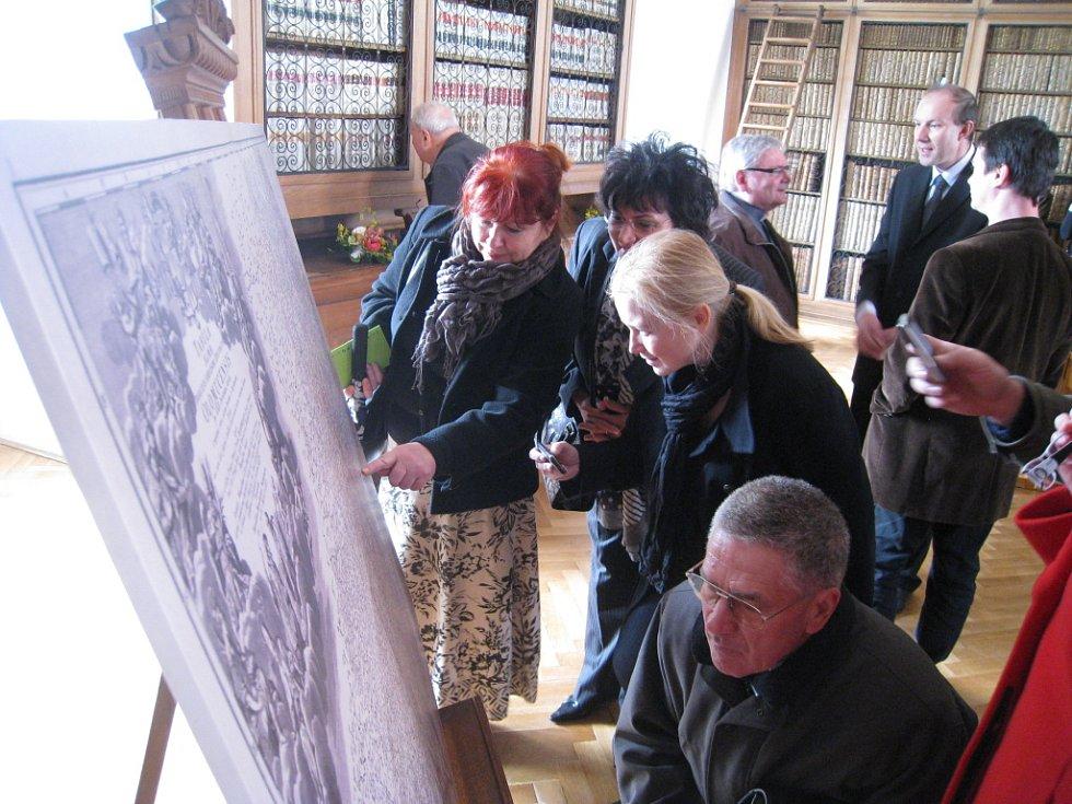 Olomoucký arcibiskup Jan Graubner zahájil na Arcibiskupském zámku v Kroměříži výstavu.