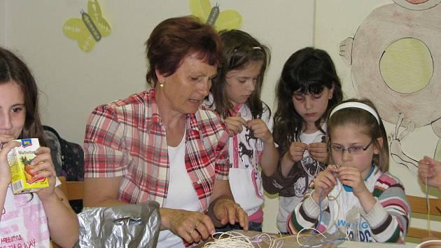 Vychovatelka Hana Klečková z Kroměříže byla 20. 5. 2008 oceněna v Uherském Brodě spolu s dalšími 17 pedagogyx Zlínského kraje.