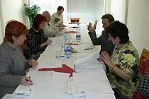 Organizátoři a porotci regionálního kola soutěže Wolkerův Prostějov, která se konala 20. 2. 2008 v Kroměříži, měli plné ruce práce s vyhodnocením výsledků.