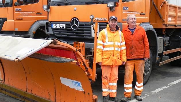 Na fotografii pracovníci Sús Kroměřížska z 27.11.2012. Zleva Květoslav Zapletal a Antonín Krejčíř.