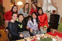Středisko volného času TyMy přivítalo na svátky tři studentky z Hong Kongu.