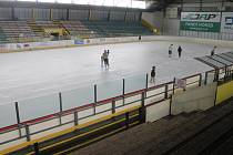 Zimní stadion v Kroměříži nabízí v srpnu možnost bruslení pro veřejnost. Začali tuto středu.