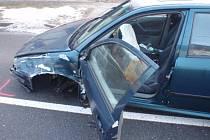 Střet dvou osobních aut museli ve středu 27.1. řešit záchranáři v chropyňské místní části Plešovec. Zranění při nehodě utrpěli oba řidiči.