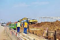 Stavba v průmyslové zóně, Holešov, březen 2011