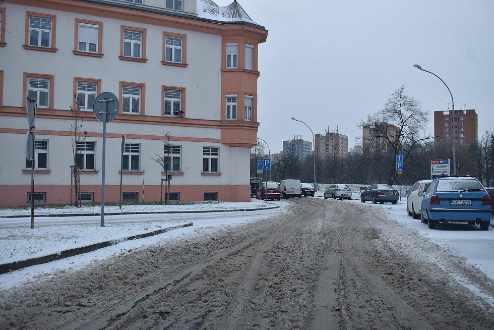 Sníh a ledovka v Kroměříži - 8. 2. 2021