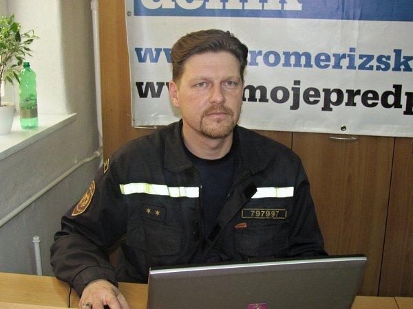 Na fotografii tiskový mluvčí Hasičského záchranného sboru Zlínkého kraje Libor Netopil.