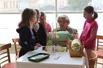 Kroměřížská střední škola pedagogická uspořádala 21.března už druhý ročník benefiční akce Kroměříž bez hranic. Tento rok byly tématem mezigenerační vztahy.