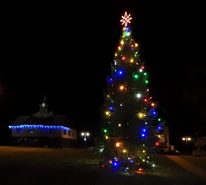 Vánoční strom 2020 v Horní Bečvě