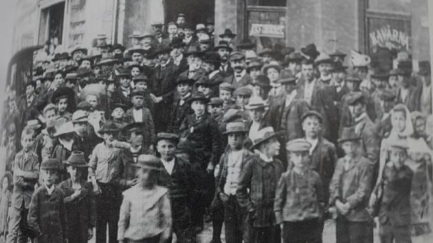 Masaryk ve Valašském Meziříčí v době říšských voleb v roce 1907.