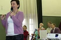 V kroměřížském Klubu Starý pivovar se ve čtvrtek 14. dubna 2011 konala beseda s lékařem na téma Oční choroby – šedý a zelený oční zákal.