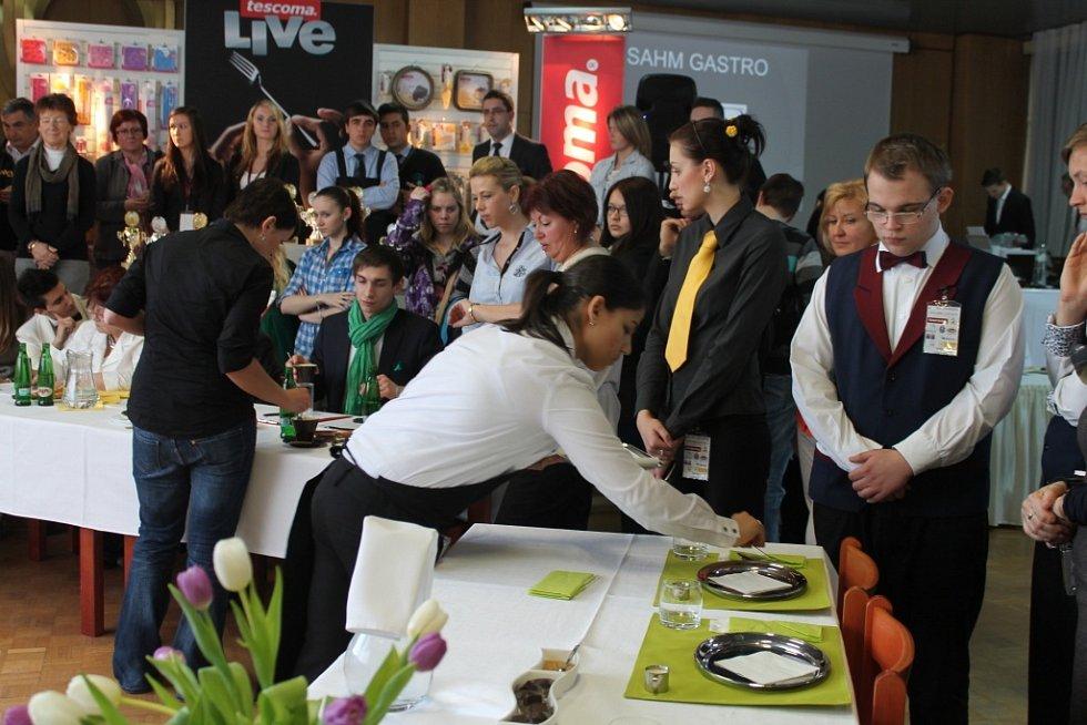 Hotelovou školu v Kroměříži ovládla už po třetí gastronomická mezinárodní soutěž. Kromě kuchařů se letos zúčastnili také cukráři, baristé a someliéři. Dvoudenní soutěž se konala během 19. a 20. března.