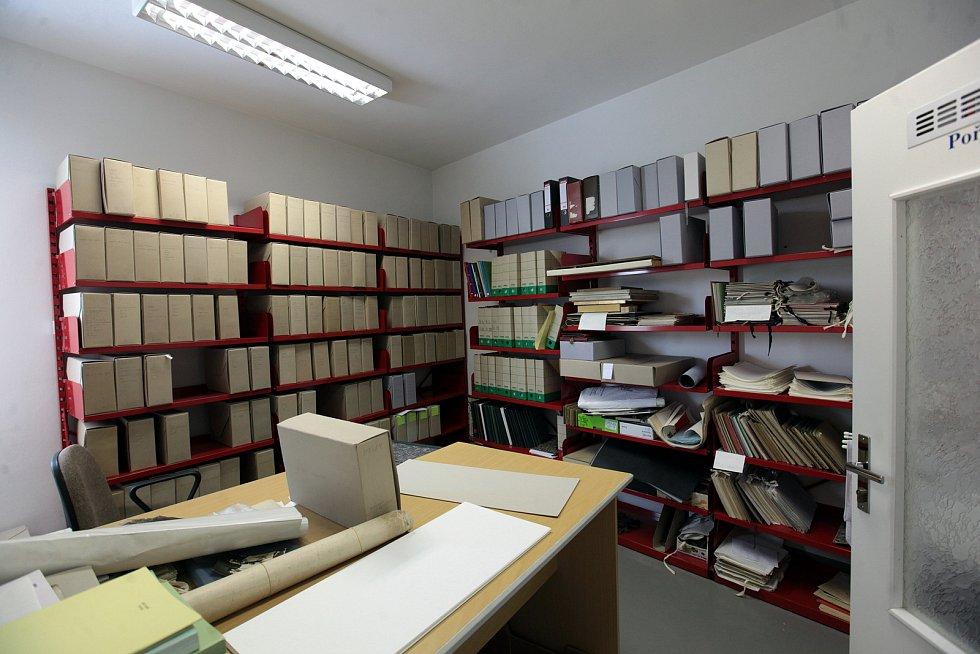 Státní okresní archiv Kroměříž. Zde přijímají nové archiválie.
