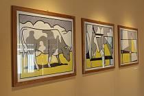Expozice Kráva kráčí k abstrakci, která dostala název podle jednoho z vystavovaných obrazů, bude v Muzeu Kroměřížska přístupná celé prázdniny.