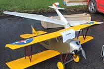 Letečtí modeláři z Břestu uspořádali v sobotu 18. října první ročník modelářské burzy.