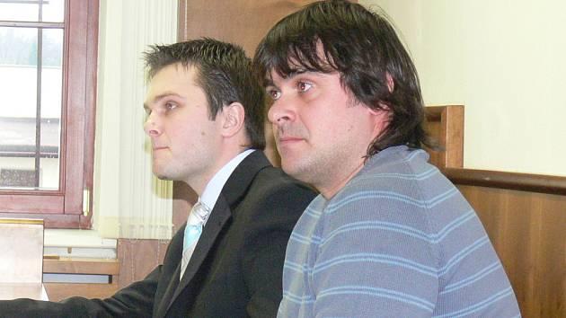 Okresní soud v Kroměříži ve čtvrtek 29. ledna uložil čtyřiatřicetiletému Ondřeji Makyčovi zkušební dobu v délce 18 měsíců za trestný čin ublížení na zdraví.