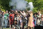 První ročník historického festivalu Holleschau přilákal stovky lidí z celého kraje, mohli tak shlédnout bitvu při ochraně města před polskými vojsky za třicetileté války.