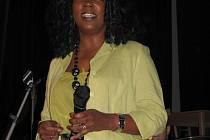 V kroměřížském Klubu Starý pivovar měla ve středu 22. října 2008 koncert americká zpěvačka Joyce Hurley, která pochází z Chicaga.