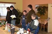 Vánoční výstavu vlastnoručních výrobků uspořádala kulturní komise města Morkovice-Slížany. K vidění byly hlavně výtvory s vánoční tématikou. Lidé si tak mohli koupit adventní věnce, svícny, perníčky, či ozdoby na stromeček.
