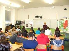 Příběhy bezpráví - Projektový den v Hulínské škole