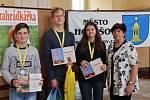 Vlasta Čablová na vědomostní soutěži okresního kola Mladých zahrádkářů na holešovském zámku.