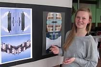 Monika Rygálová připravila v Hulíně mimořádnou výstavu mladých umělců z města a okolí. Šestice vystavovala od 20. do 22. dubna v Kulturním klubu.