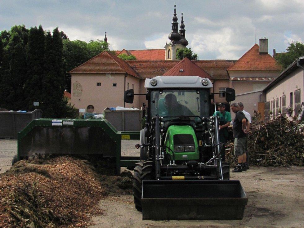 V úterý 26.června v Kvasicích uvedli do zkušebního provozu Komunitní kompostárnu.