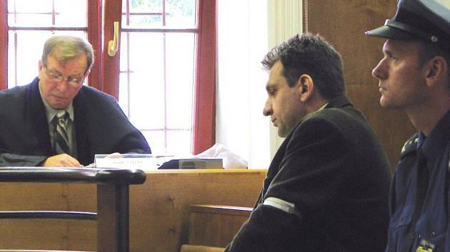 Štefan Zámec u kroměřížského soudu