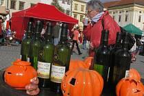 V pátek 14. října 2011 se na Velkém náměstí v Kroměříži konal podzimní farmářský trh.