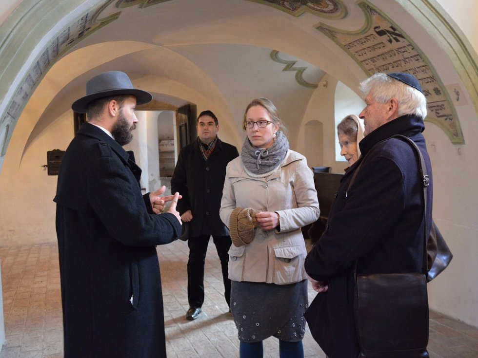 Ulrich Habsbursko-Lotrinský, bratr současného následníka císařsko-královského trůnu Karla Habsbursko-Lotrinskéh, navštívil v týdnu Holešov, prohlédl si židivské památky, pohovořil se zástupci města a zúčastnil se i přednášky.