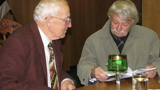 Spisovatel Pavel Hejcman představil svou novou publikaci Stébla ve vichřici.