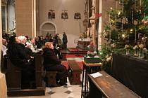 Na tradiční půlnoční mši se do kostela Sv. Mořice v Kroměříži vypravilo nespočet lidí.