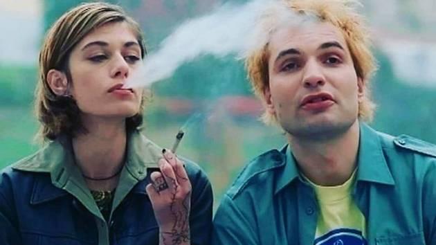 Z filmu Samotáři.