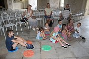 V rámci programu s názvem Salala, který si na prázdniny připravili v kroměřížském zámku, děti blíže poznají krásy Sala terreny i přilehlých grott.