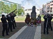 Památku rumunských vojáků, kteří před 73 lety zemřeli při osvobozování města, uctili ve středu v Kroměříži.