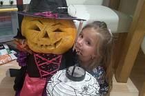 S dcerkou jsme vylepšily dýni.