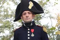 Kamil Maděra s 8. historickým plukem francouzské řadové pěchot procestoval už skoro celou Evropu, svůj život totiž zasvětil napoleonským válkám a jejich věrným bitevním replikám.